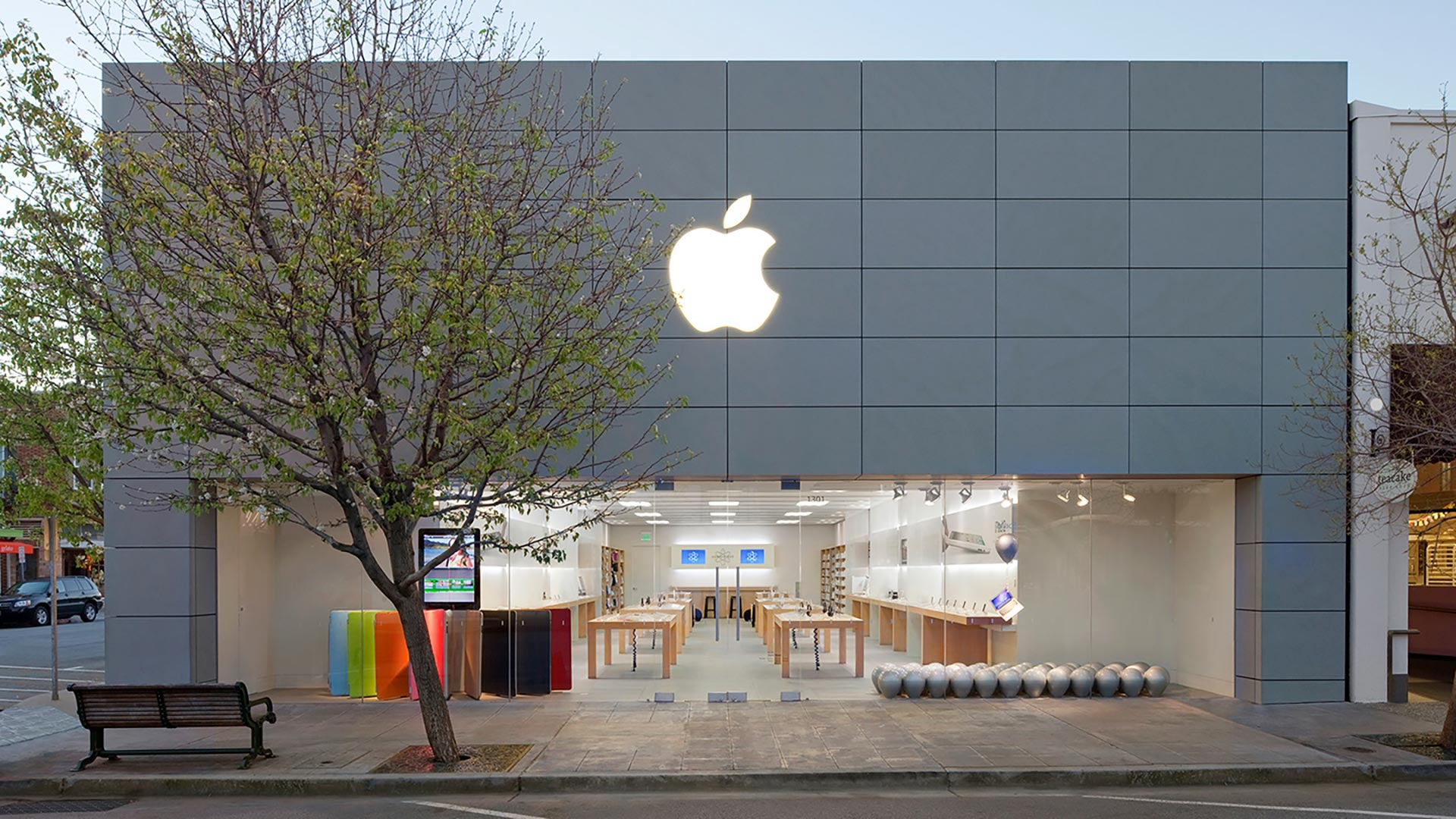 Apple Burlingame