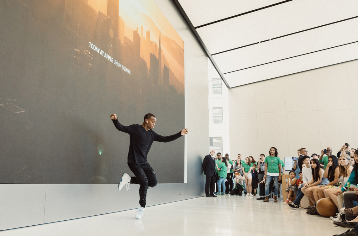Today at Apple: Lil Buck im Apple Union Square in San Francisco