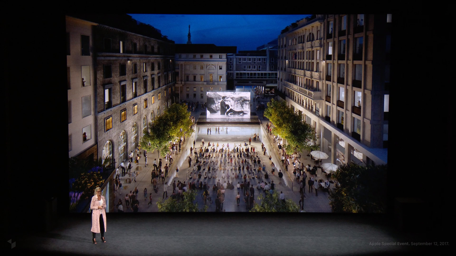 Angela Ahrendts beim Apple Special Event im Steve Jobs Theater: Apple Piazza Liberty